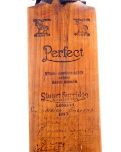 signed cricket bat 2