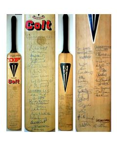 bat signed in 1983 by the Glamorgan, Lancashire and Gloucestershire teams, and notably by the 1983 Sri Lanka World Cup Squad.