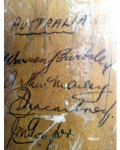 signed cricket bat5