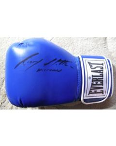 Hand Signed Everlast boxing glove