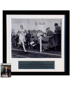 photo of Sir Roger crossing the line. It is personally signed by Bannister and supplied with a separate photo of Sir Roger signing in October 2008